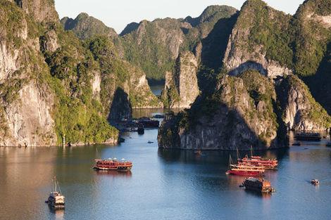 10 JOURS / 7 NUITS - Circuit Vietnam Saveurs de la Baie d'Halong 3*